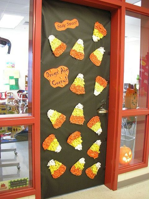 Fall door decorations for classrooms for Autumn classroom decoration