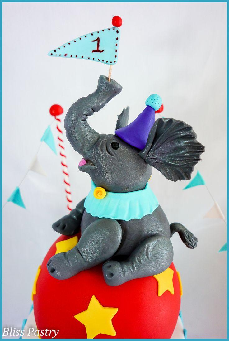 Circus elephant cake topper - photo#1