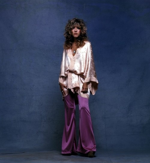 Stevie Nicks satin all around '81. This is my favorite era for her ...