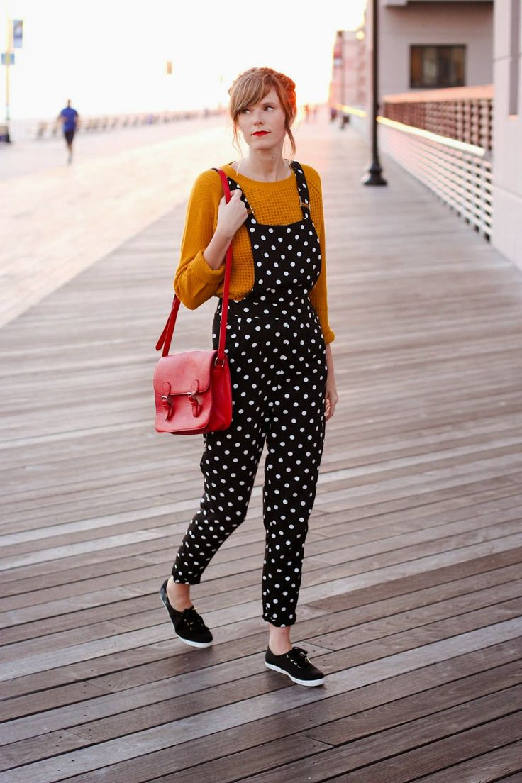mustard + navy on the long beach boardwalk ♥  Steffys Pros and Cons   NYC Vintage Fashion Blog