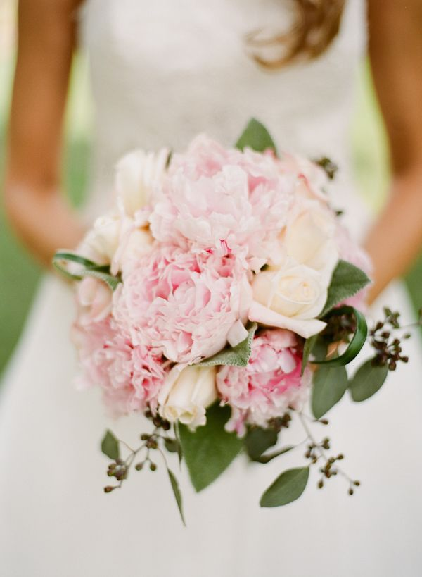 Southern wedding - bouquet with vines