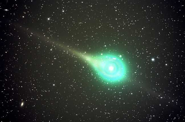Comet Lulin on Feb. 18, 2009.
