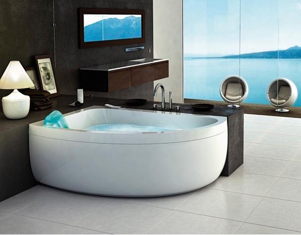 Marmer Badkamertegels ~ Strakke badkamer met heerlijk whirlpool en het idee van achterpanelen