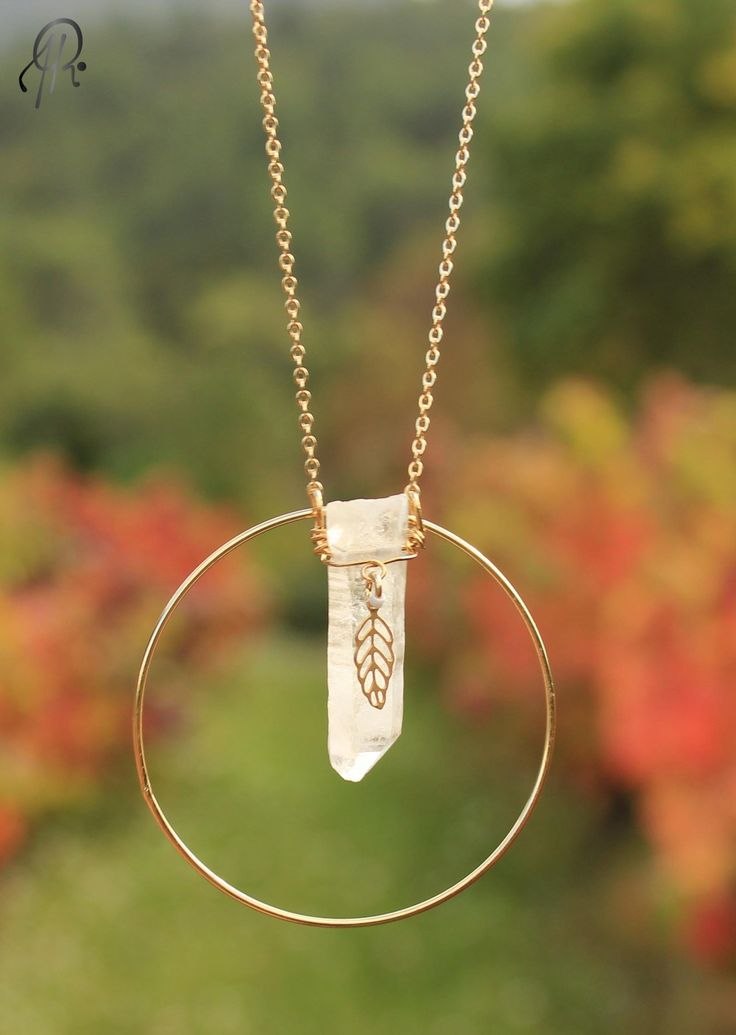 Sautoir Quartz via Rubambelle. Click on the image to see more!