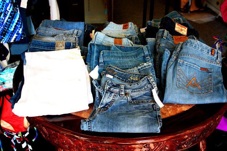 consignment store that specializes in junior,women's and men's