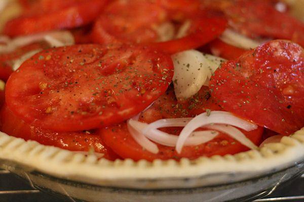 Fresh Tomato Pie http://www.home-ec101.com/tomato-pie-smack-your ...