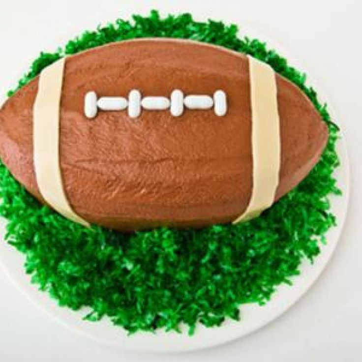 Football Birthday Cake Design CAKES!! Topsy..Spiral ...