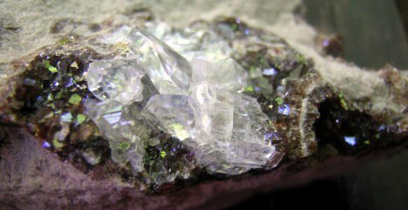iridescent fluorite from ohio crystals minerals geodes