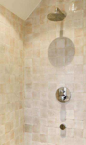 Travertin Tegels Douche ~   nl Marokkaanse wandtegels  Zelliges  badkamer idee?n  UW badkamer