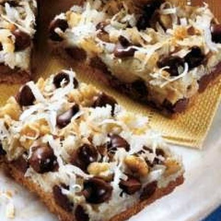 Layer Magic Cookie Bars - looks like something quick and easy to ...