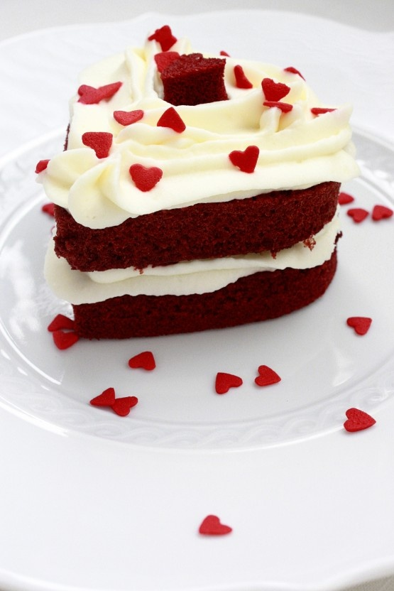 Mini Red Velvet Layer Cakes | Lovey Dovey | Pinterest
