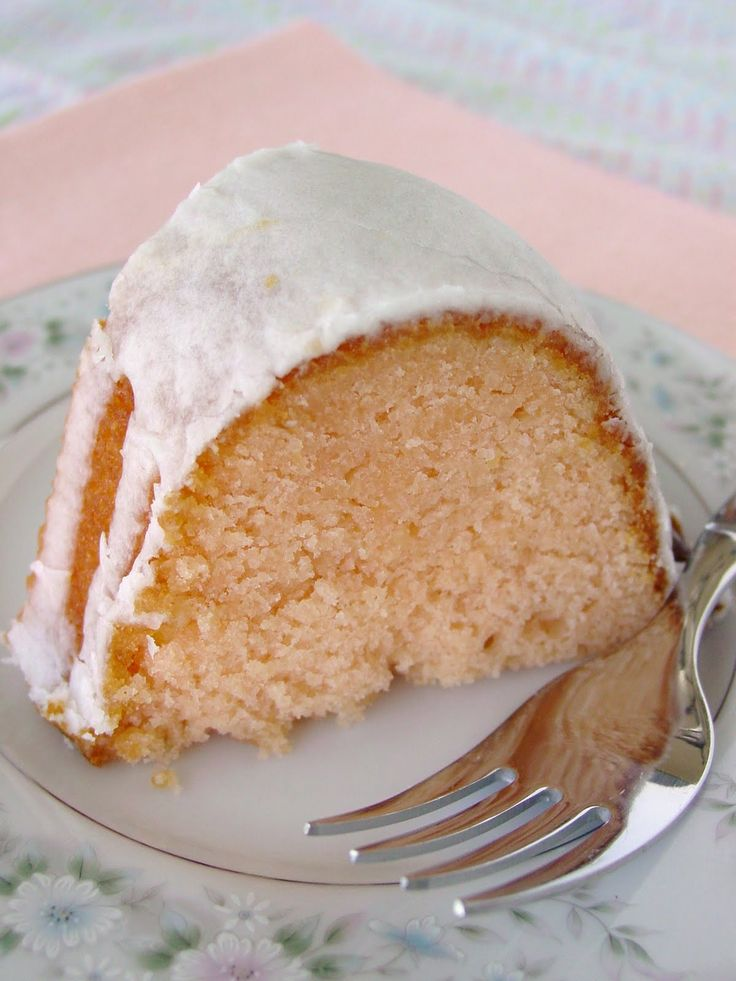 Cake': yellow cake mix, pineapple juice, orange juice, coconut rum ...