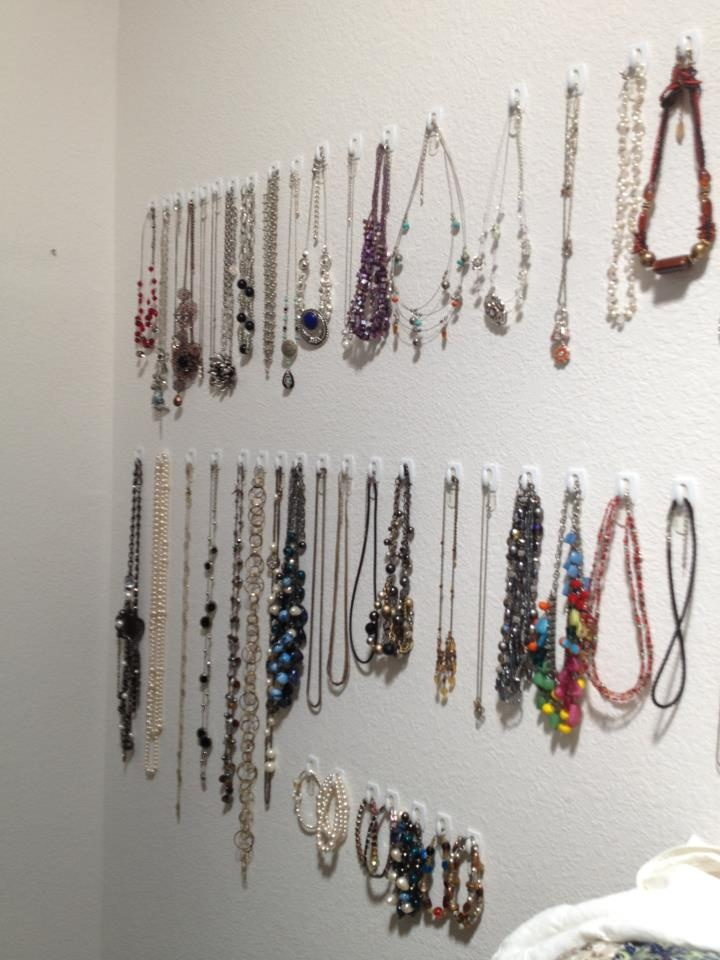 Organize your jewlery in a small space. | Jewelry organizer | Pintere…