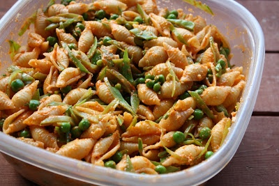 FlavorSings: Summer Pea and Roasted Red Pepper Pasta Salad