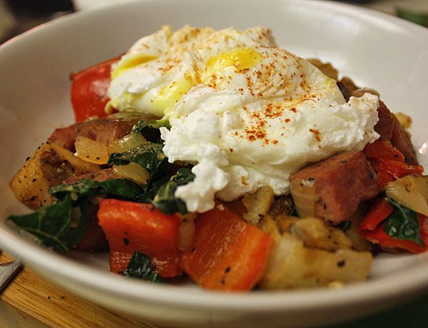RECIPE: Turkey pastrami hash and eggs: http://thefatdudediet.com/2011 ...