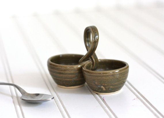 Pottery salt and pepper pinch pot with handle olive green Salt n pepper pots