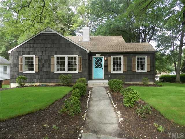 Adorable cedar shake home beach house pinterest for Cedar shake house
