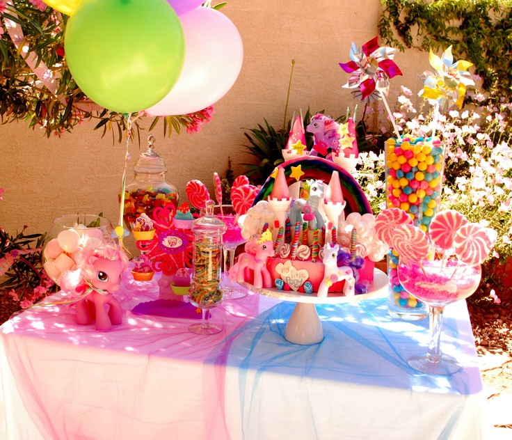 party table decorations  Rainbow Party  Pinterest