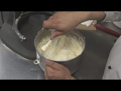 how to thicken buttercream frosting