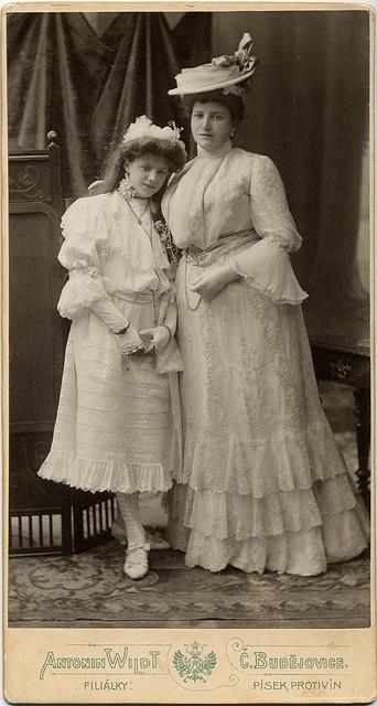 Cabinet card circa 1905.