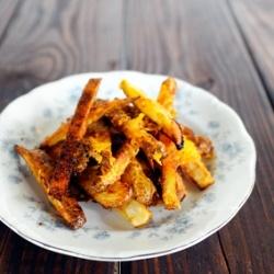 Baked chili cheese fries   FOOOOD   Pinterest