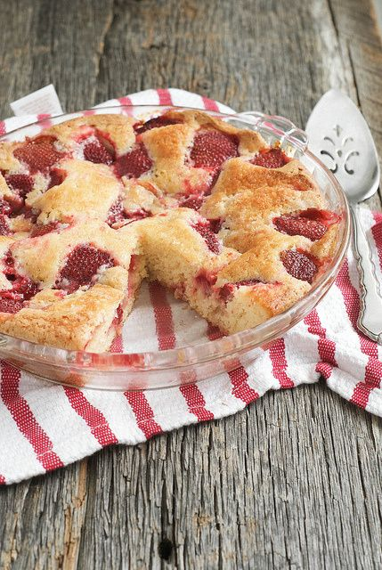 Summer Strawberry Cake & New York City   Strawberry Cake   Pinterest