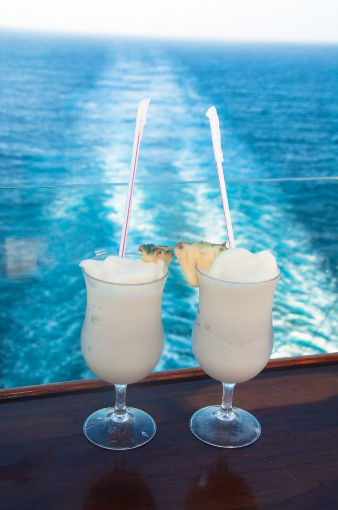 Cold drinks and warm Caribbean sun on Oasis of the Seas.