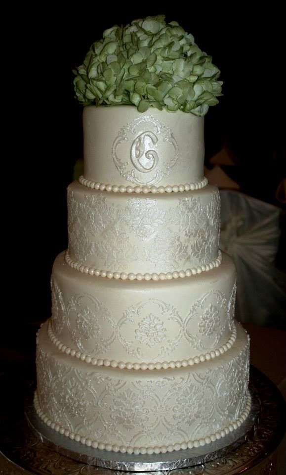 Stenciled lace wedding cake Cakes3 Pinterest