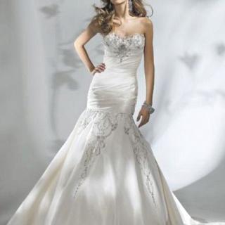 Mermaid cut wedding dress