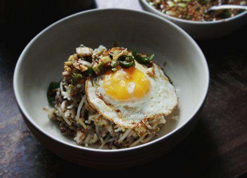 ... Cook - Making Kongnamul Bap (콩나물밥) / Korean Beansprout Rice