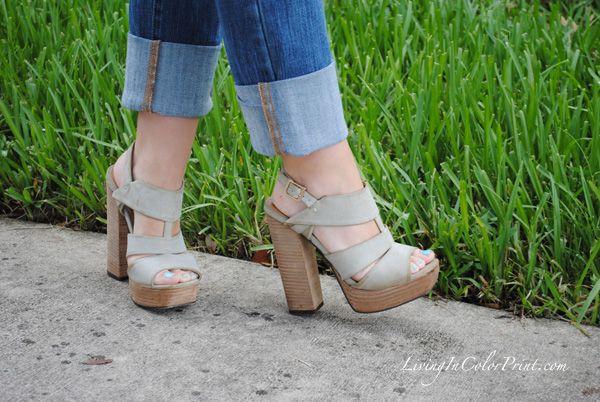 @kristinclarkfsu keeps it casual cool in her MIA Teardrop sandals