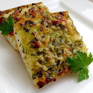 Garlic, Herb, and Parmesan Bread | FOOD/DRINKS | Pinterest