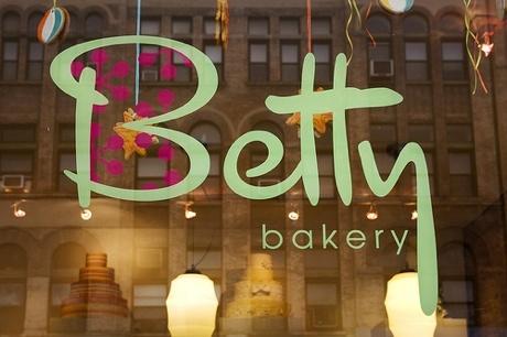 My favorite red velvet cupcakes! | Ya gotta eat...Fav Brooklyn Grub ...