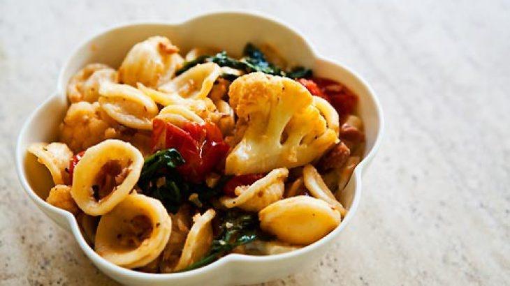 pasta cauliflower pasta with pecorino grated egg and pine nuts ...