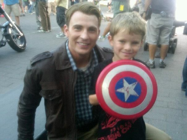 Edison with Chris Evans... how cute is this?!?