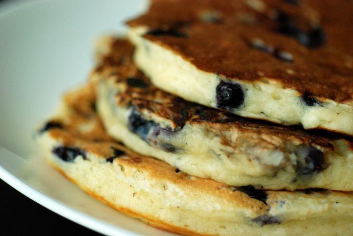 blueberry buttermilk pancakes | b r e a k i e | Pinterest