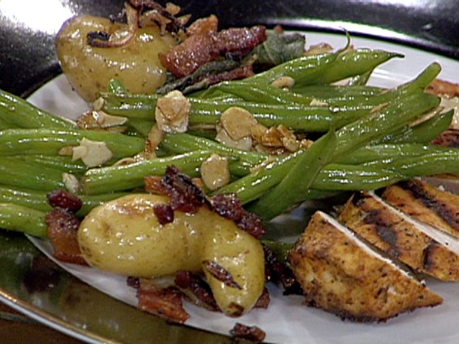 Pan Roasted Fingerling Potatoes with Crispy Bacon and Fried Sage from ...