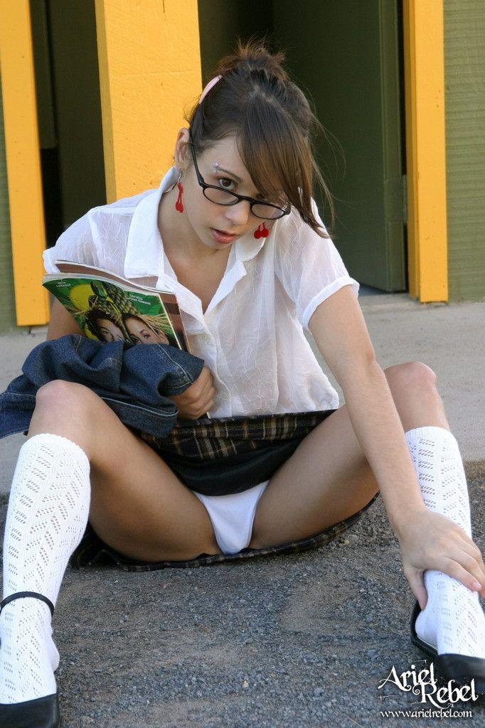 Barely legal cutie Candy Sweet flashing white upskirt panties № 824034 бесплатно