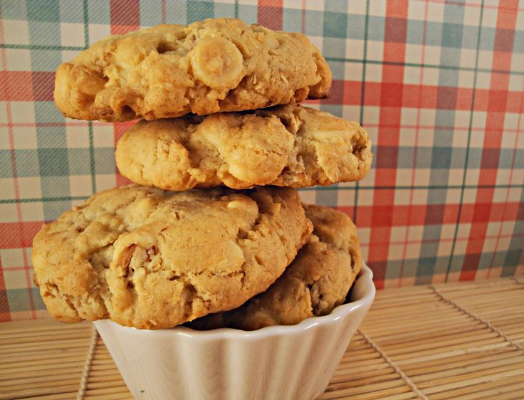 White Chocolate Coconut Oatmeal Cookies | cookies | Pinterest