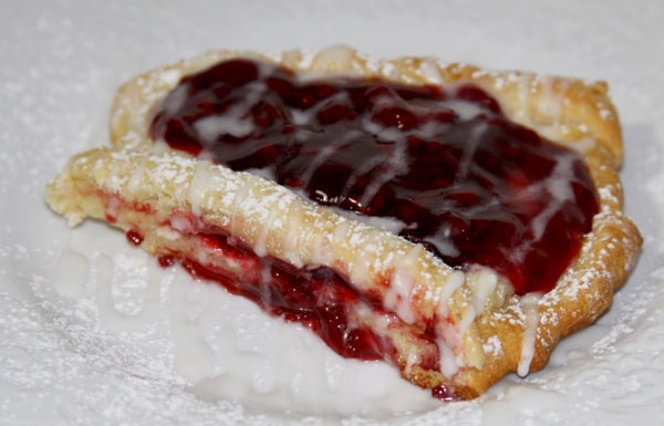 Raspberry Cream Cheese Coffee Cake | Breakfast | Pinterest