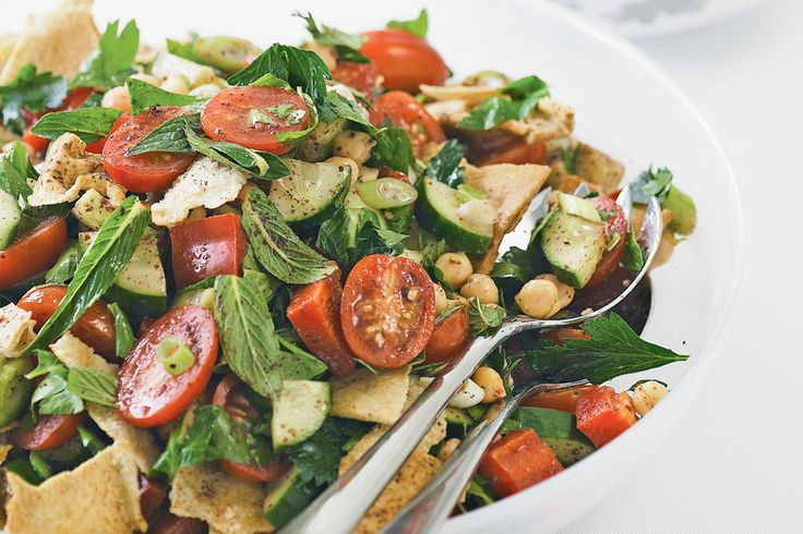 ... salad+jam-packed+with+bright+vegies,+fibre-full+chickpeas+and+crunchy