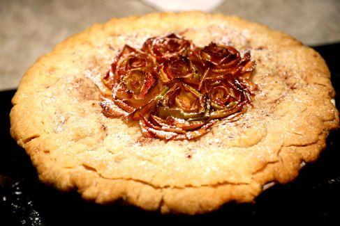 Rose petal apple pie | Corkery Pie Shoppe | Pinterest