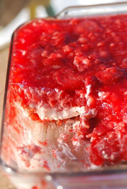 Strawberry Pretzel Salad ~ 9 weight watcher points, Calories 321 ...