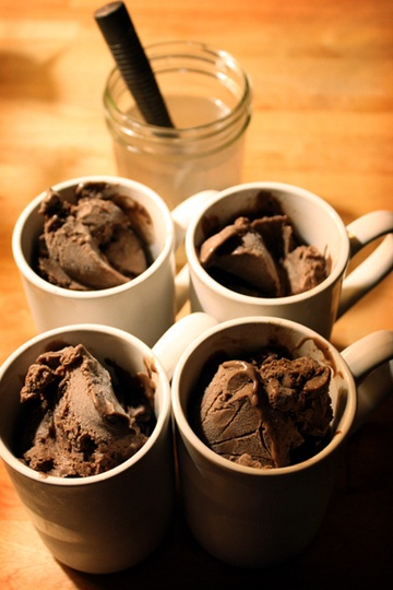 Recipe: Dark Chocolate Ice Cream With Fig & Cardamom