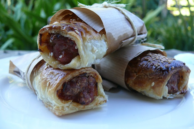 chorizo and onion sausage rolls | Get In mah Belly!!!! | Pinterest