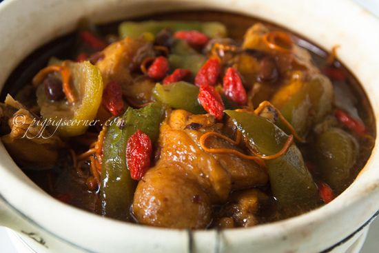 Braised Angled Luffa with Chicken in Black Bean Sauce by pigpigscorner ...
