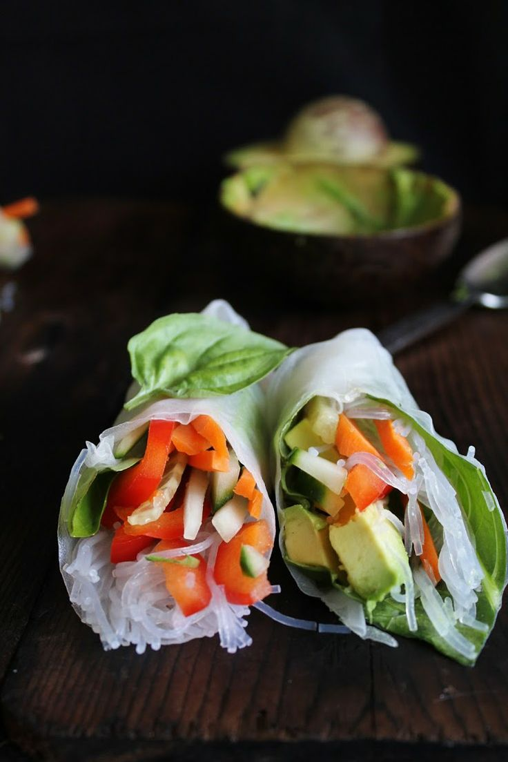 ... summer rolls with basil, avocado, kale + spicy garlic peanut sauce