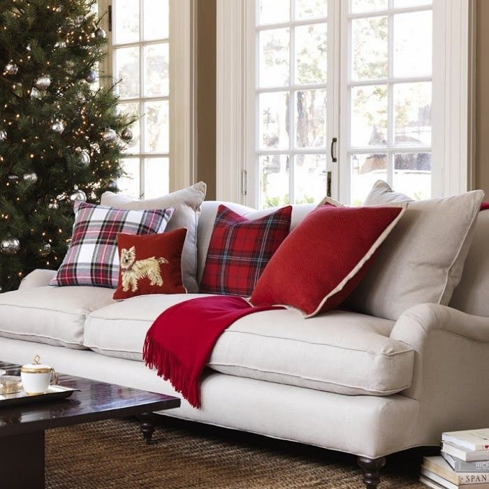 CHIC COASTAL LIVING: Decorating for Christmas with Tartan