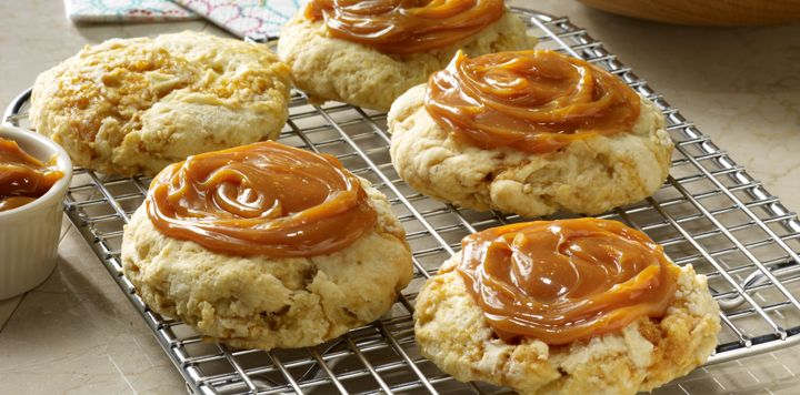 Caramel Apple Scones - Making scones at home is easy and delicious ...