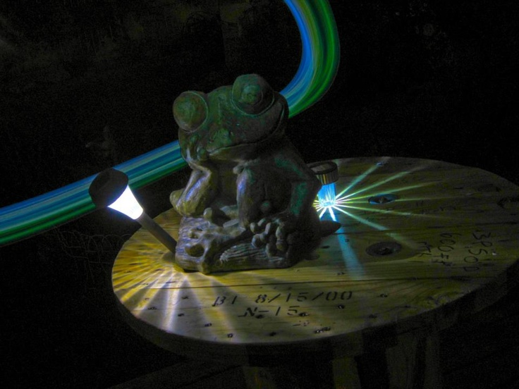 Frog Statue Light Painting